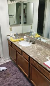 Casa-Real-Townhouse-Tucson bathroom-1